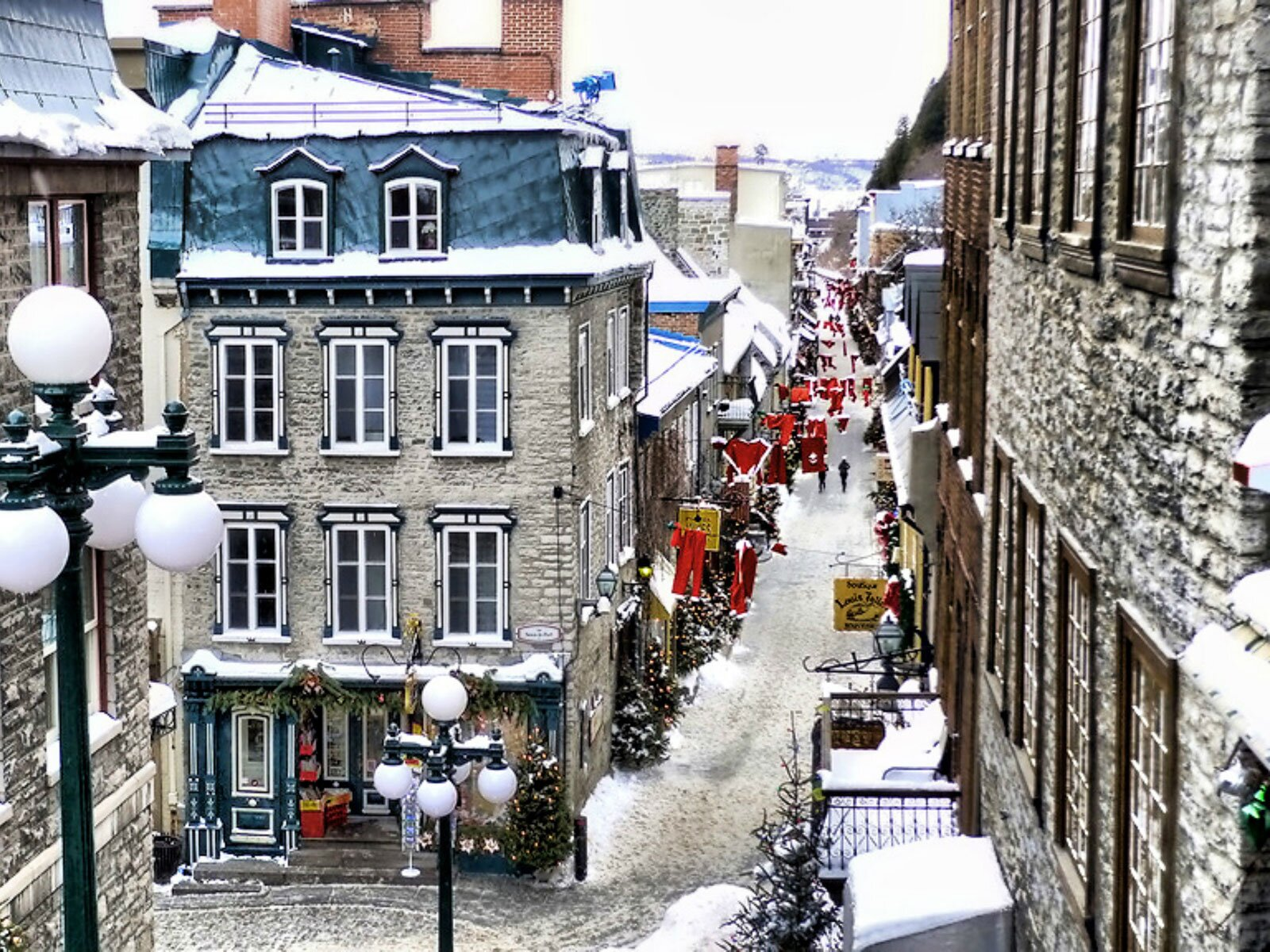 Petit Buffet Art Deco carnaval in quebec city: where to eat, drink, and stay