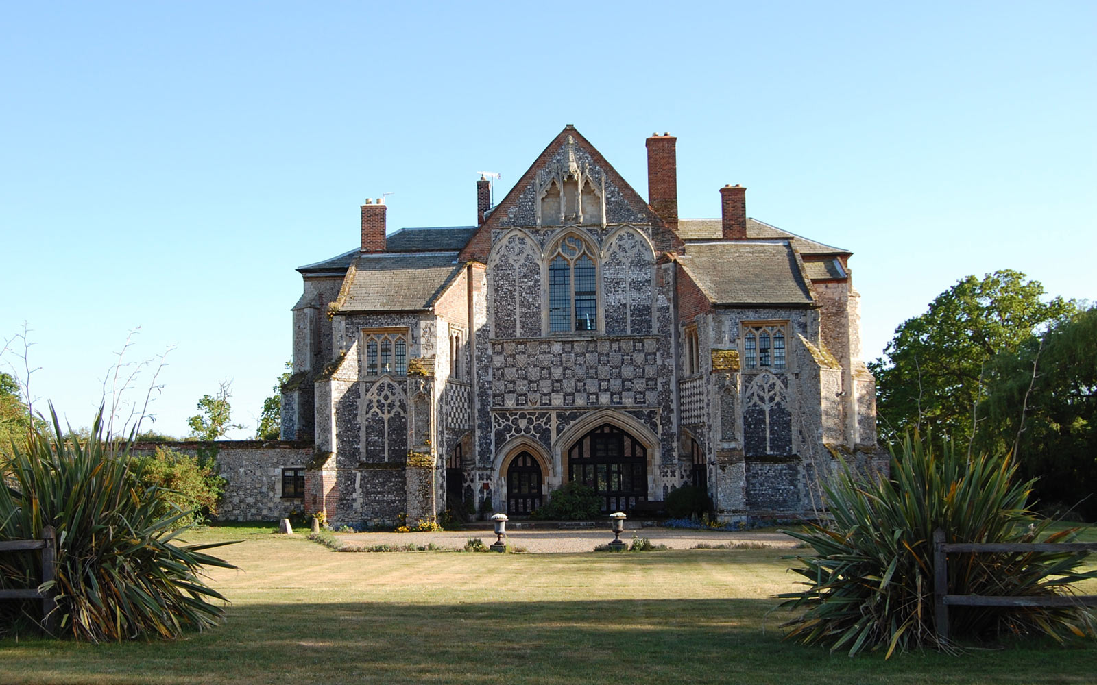 Suffolk, 12th century abbey country house
