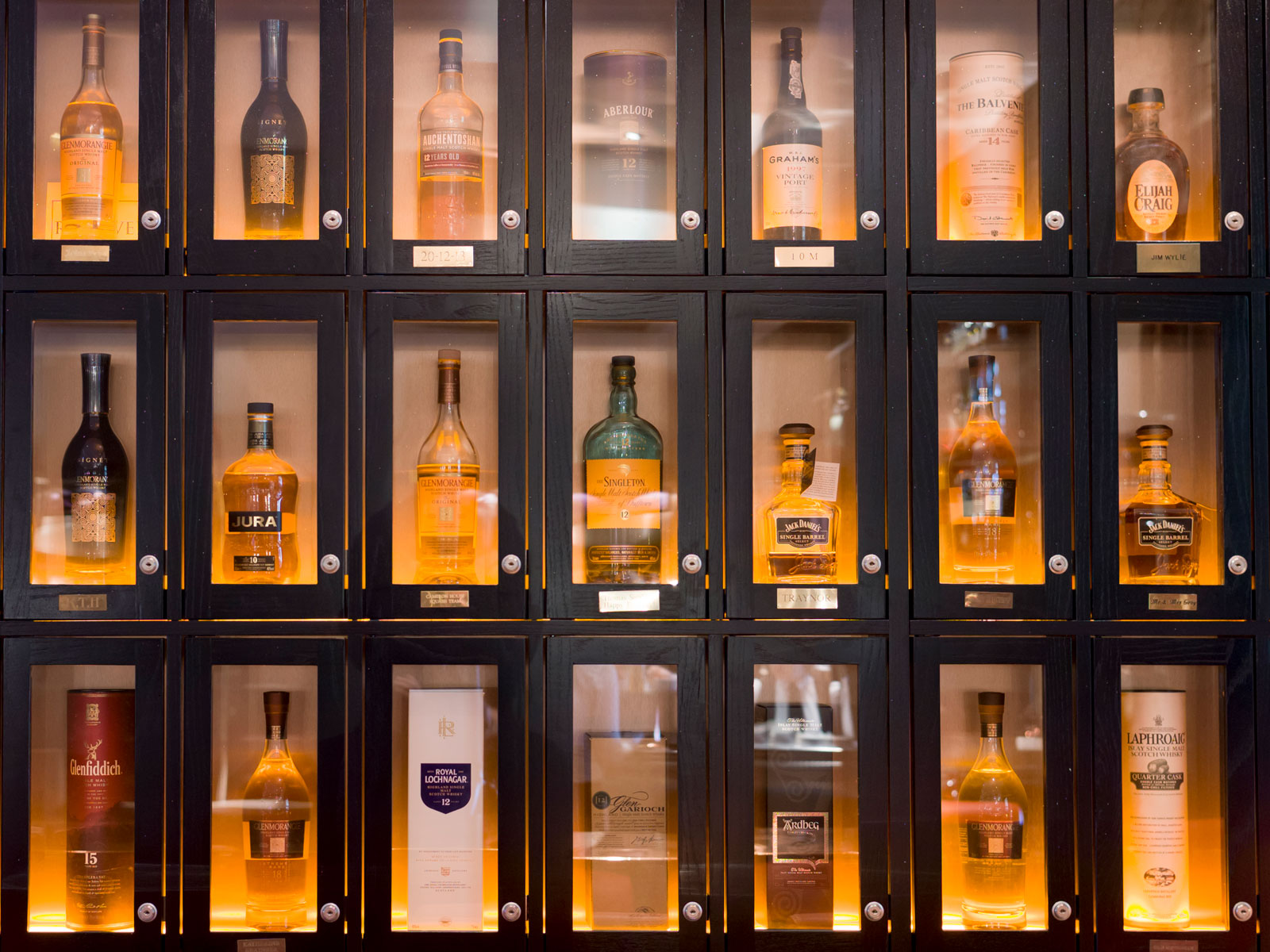 luxury-whiskey-sales-FT-BLOG0319.jpg
