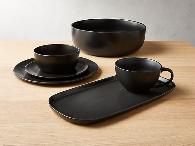 matte black dinnerware