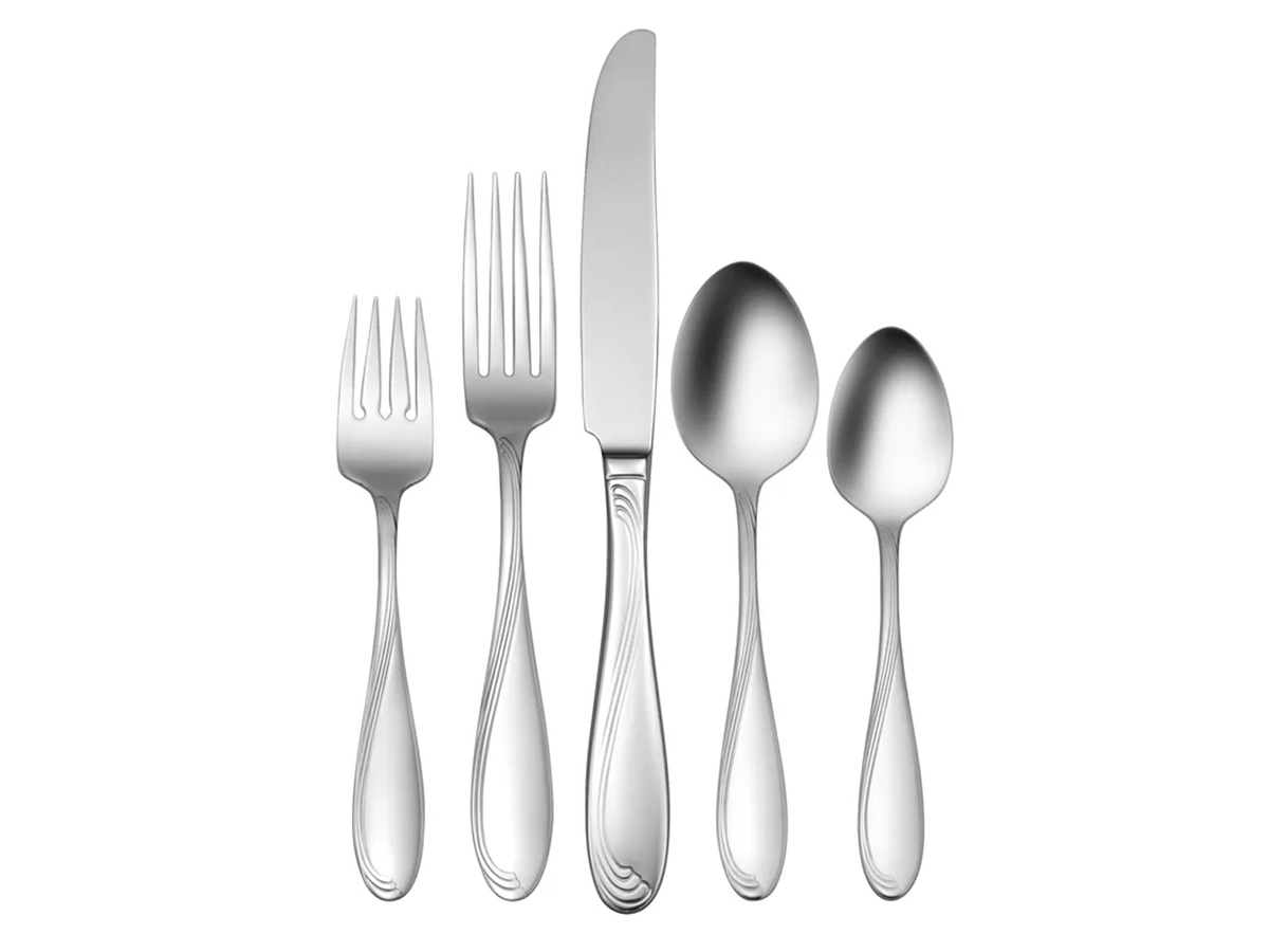 Oneida Tyler 90-Piece Flatware Set