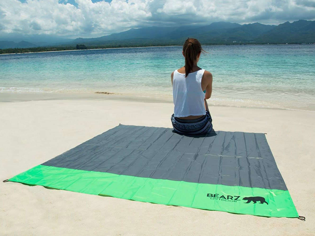 Bearz Waterproof Beach Blanket