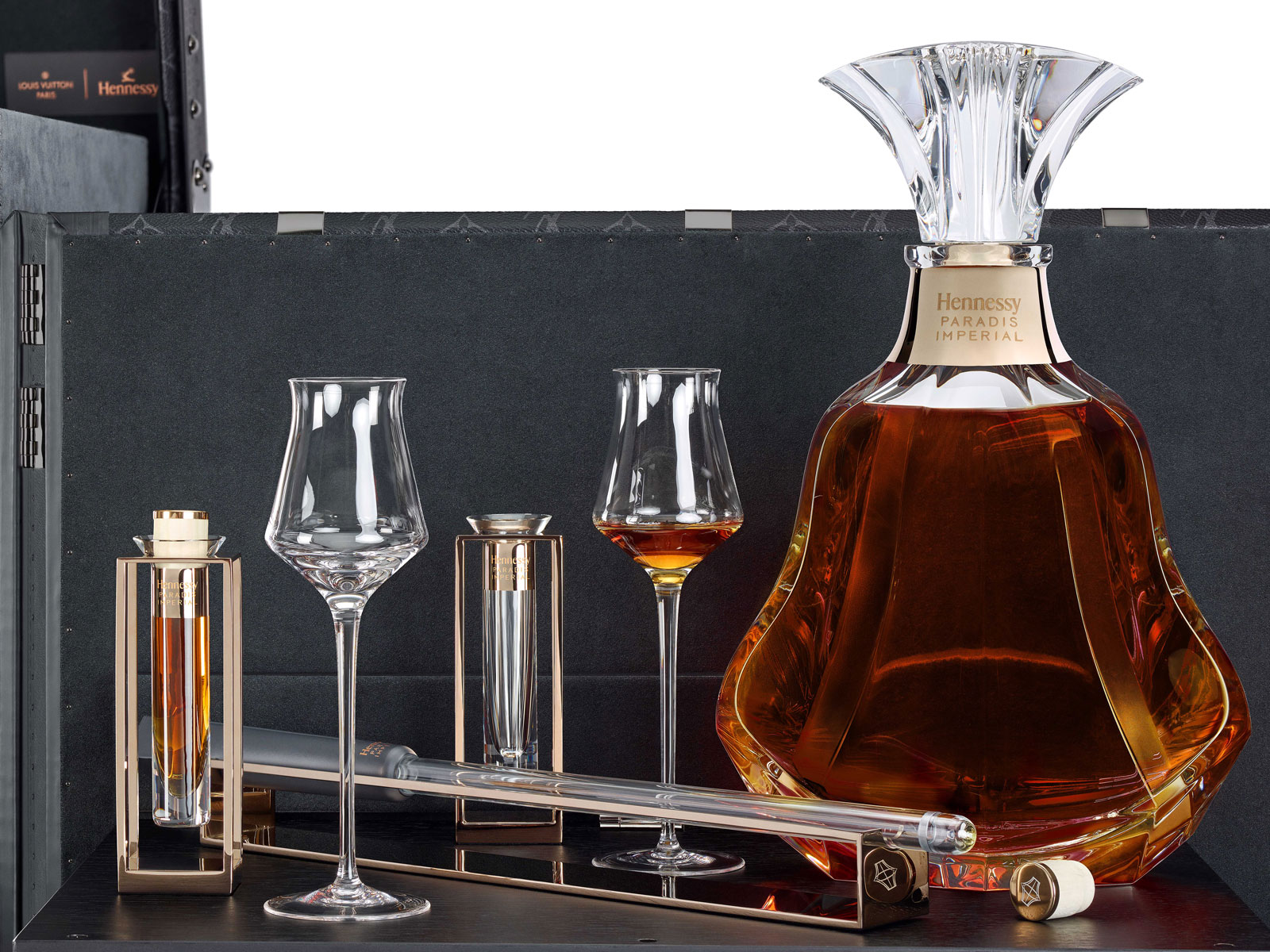 Hennessy Paradis Imperial Serving Ritual