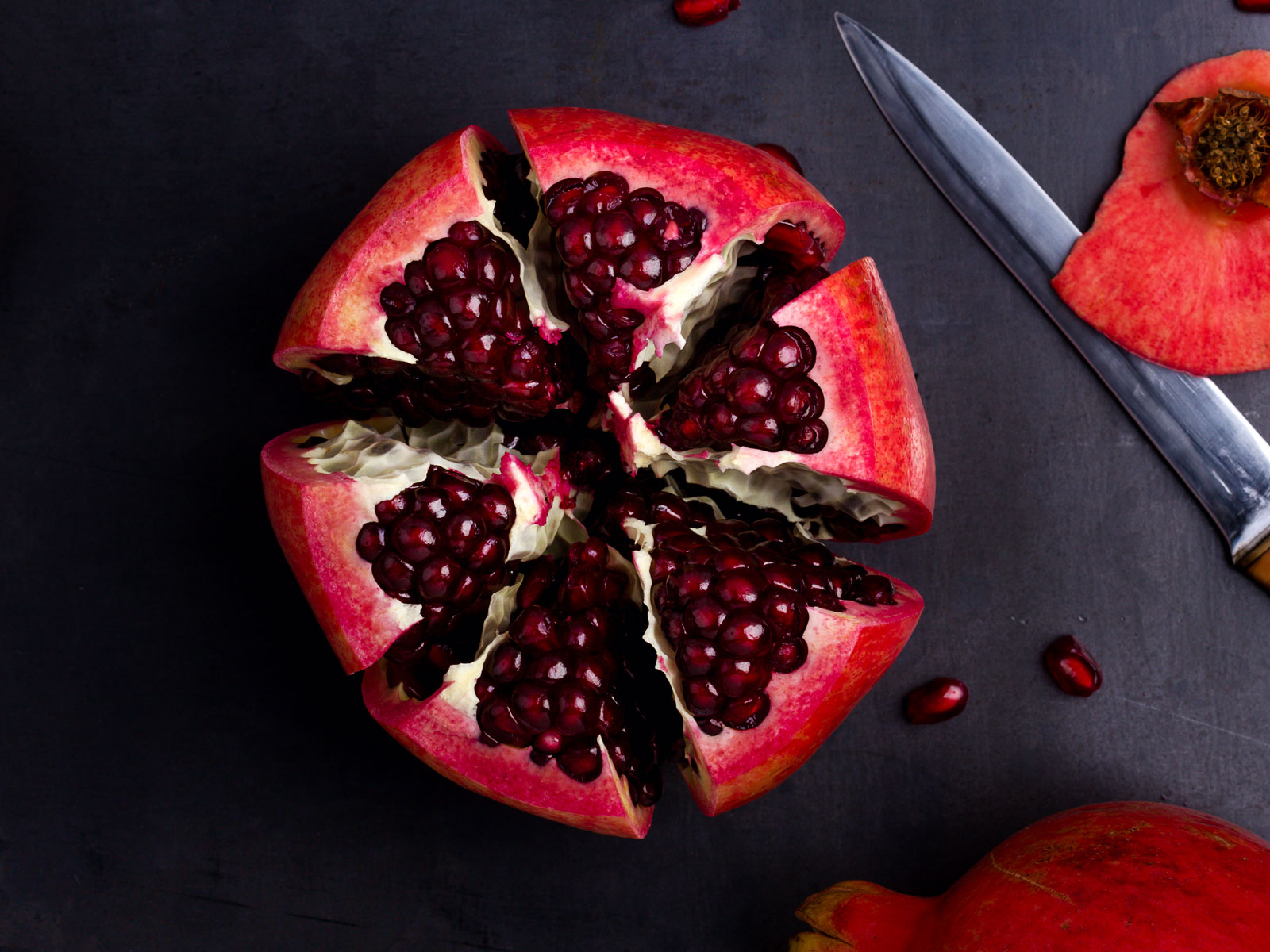 How To Cut Open A Pomegranate Without Making A Mess Food Wine