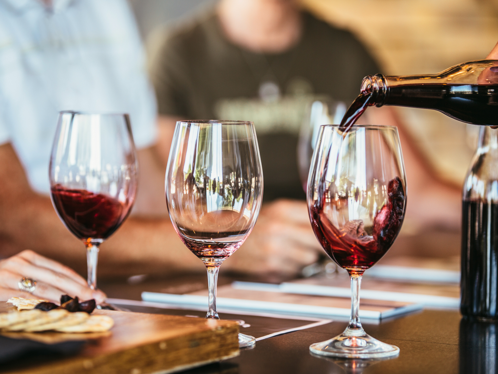 How Professional Sommeliers Learn About Wine