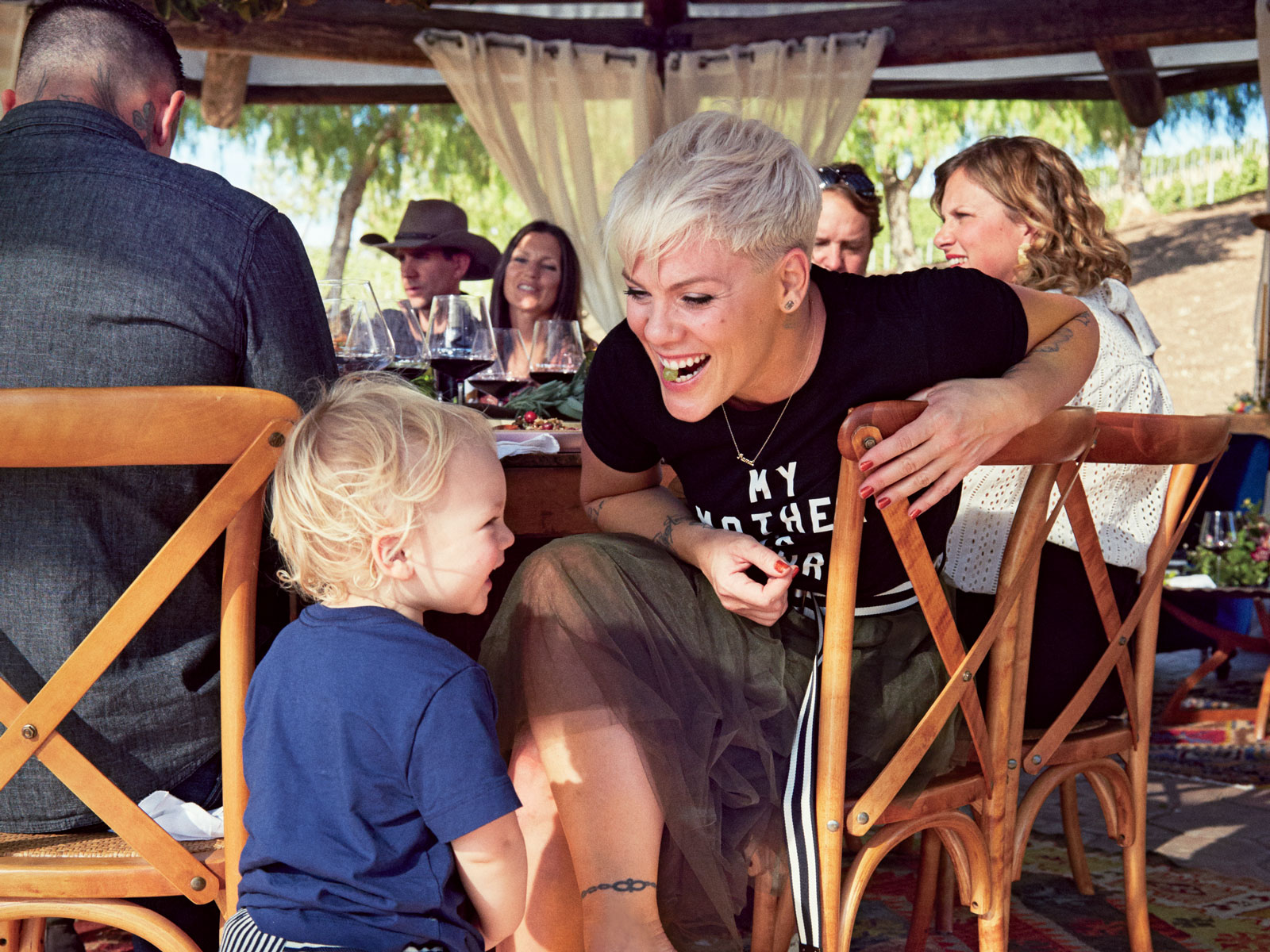 P!nk Thanksgiving Two Wolves Wines