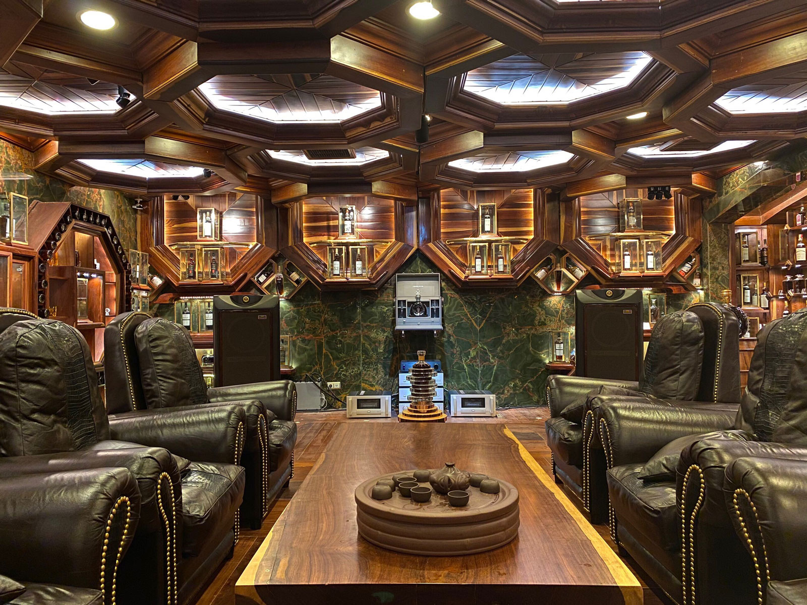 world-record-whiskey-collection-5-FT-BLOG1119.jpg