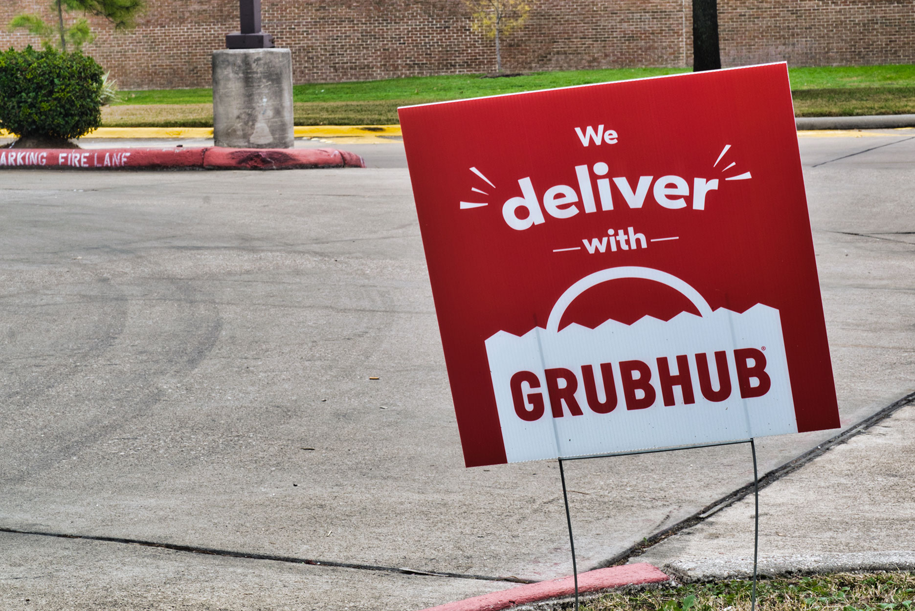 A sign for Grubhub delivery