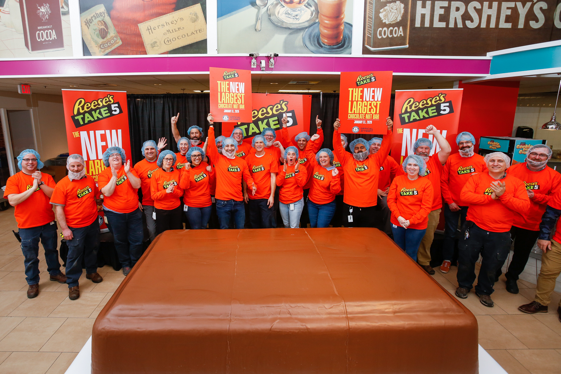 Reese's Breaking Snickers World Record