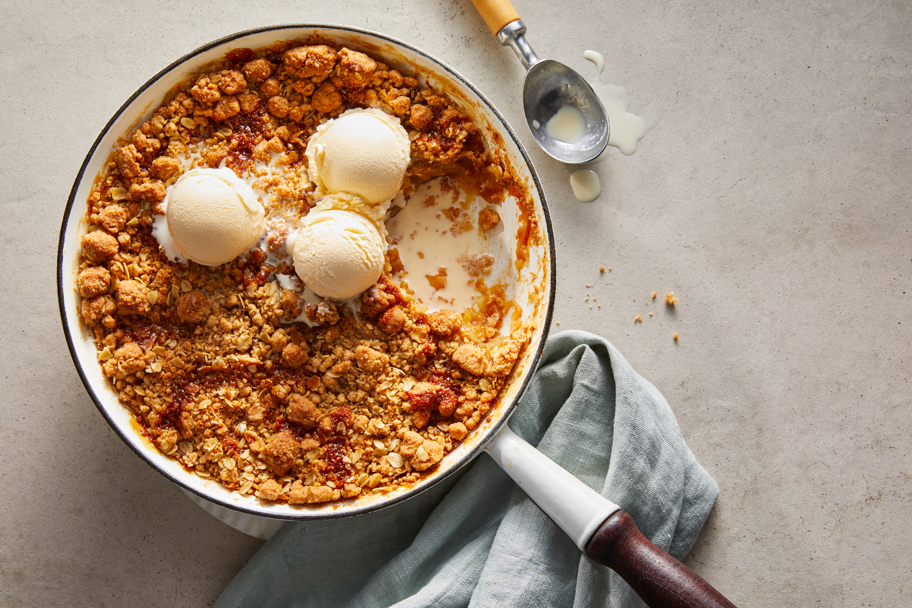 Skillet Apple Ginger Crisp Recipe