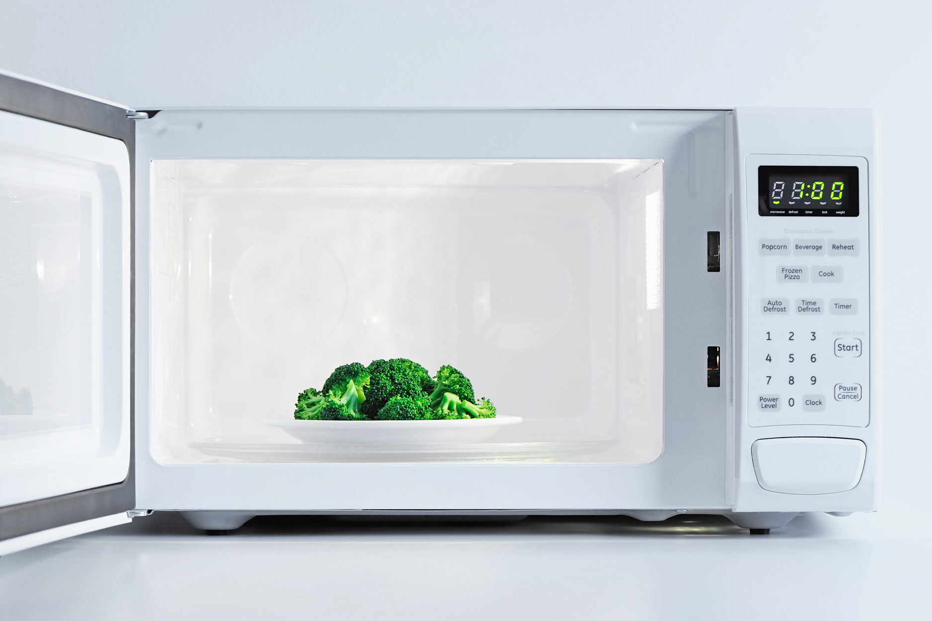 18 Unexpected Items These Chefs Always Microwave