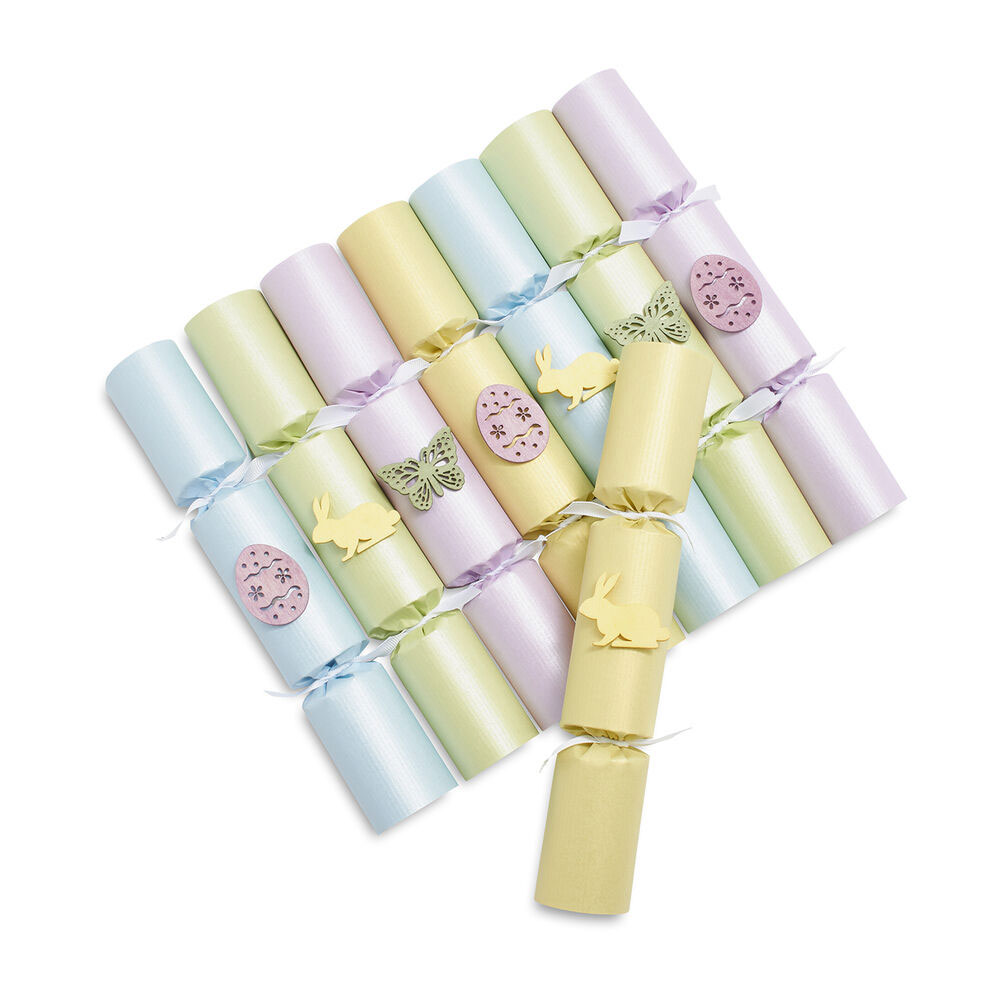 Easter crackers for table