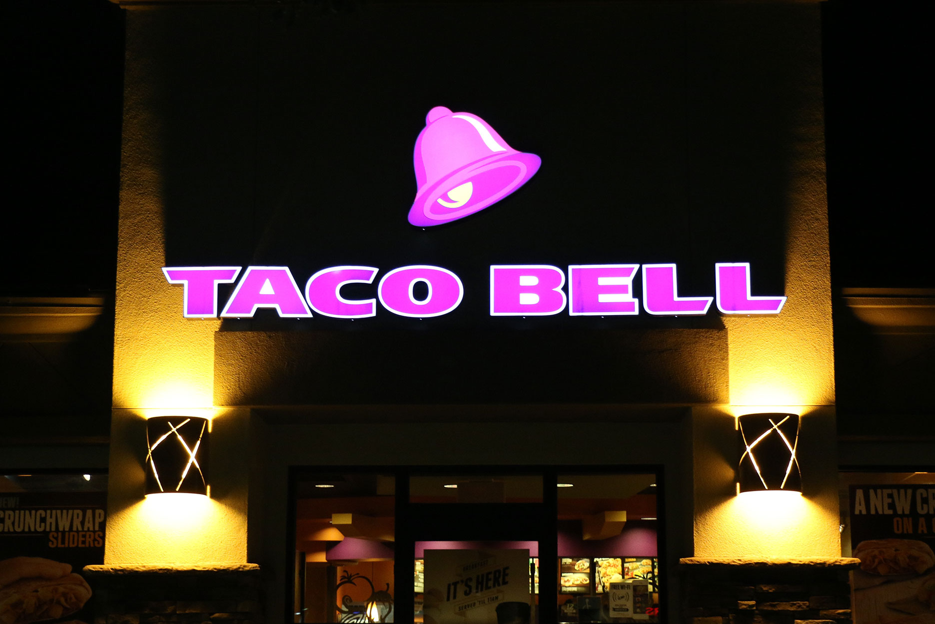 A Taco Bell location at night.