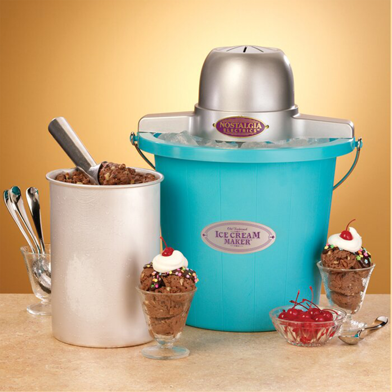 Nostalgia 4-qt Old Fashioned Ice Cream Maker