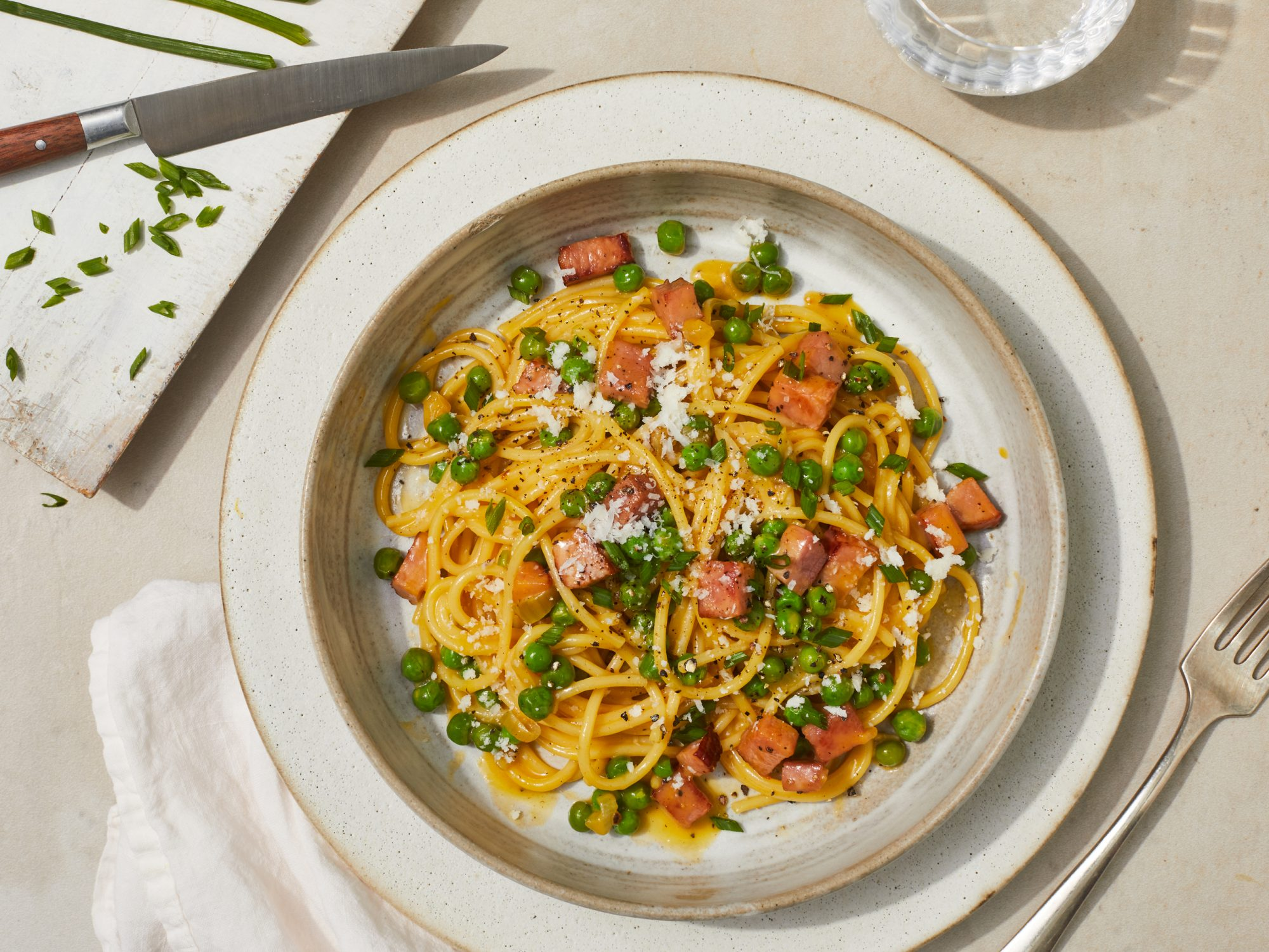 Creamy Spaghetti Carbonara with Peas and Ham