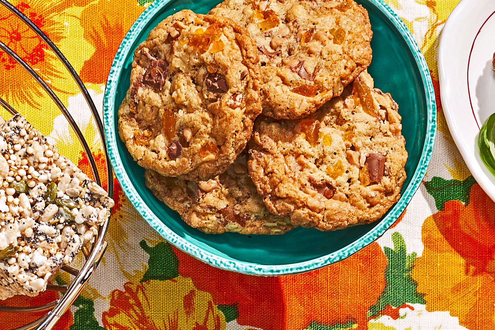 Toffee Apricot Oat Cookies Recipe