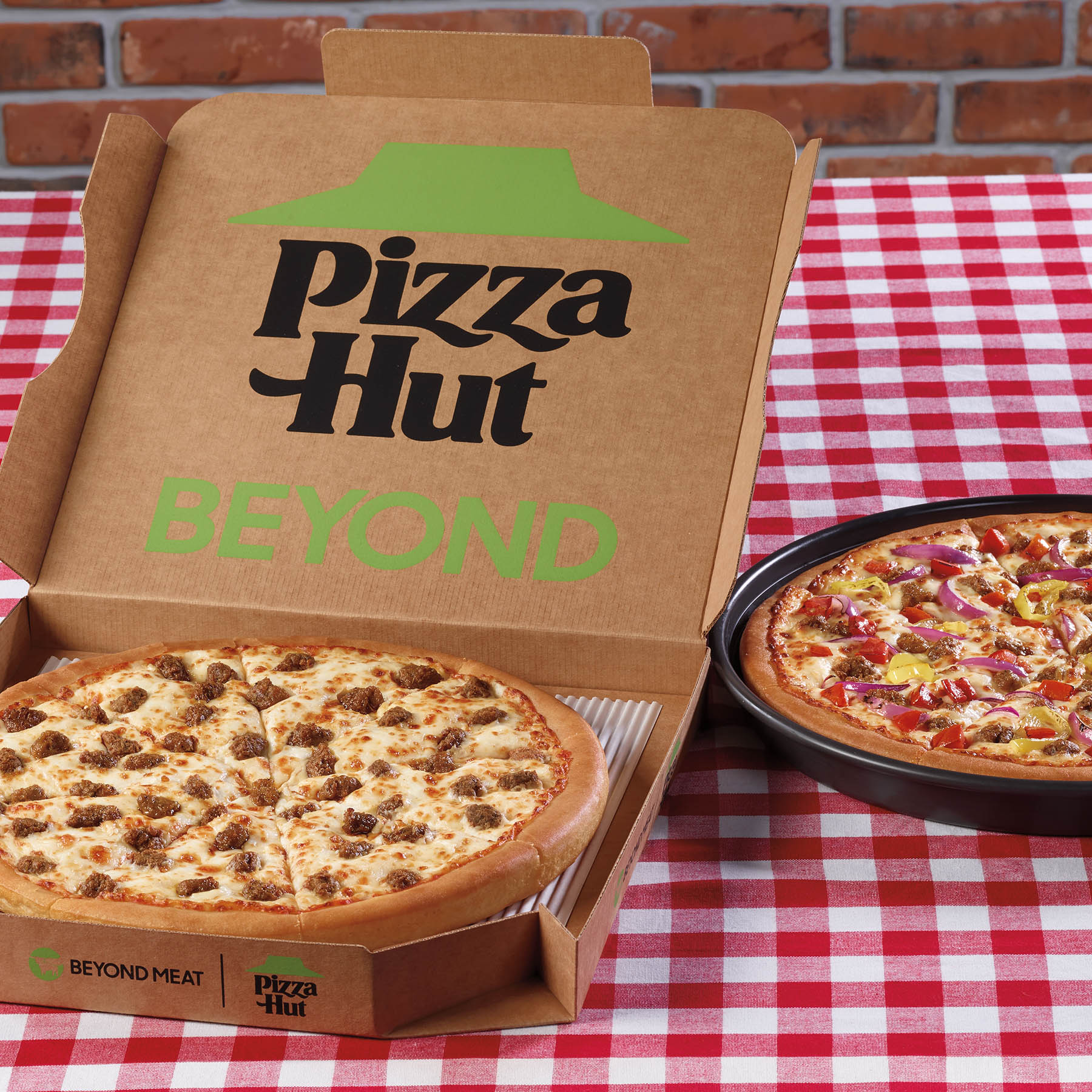 Pizza Hut x Beyond Meat
