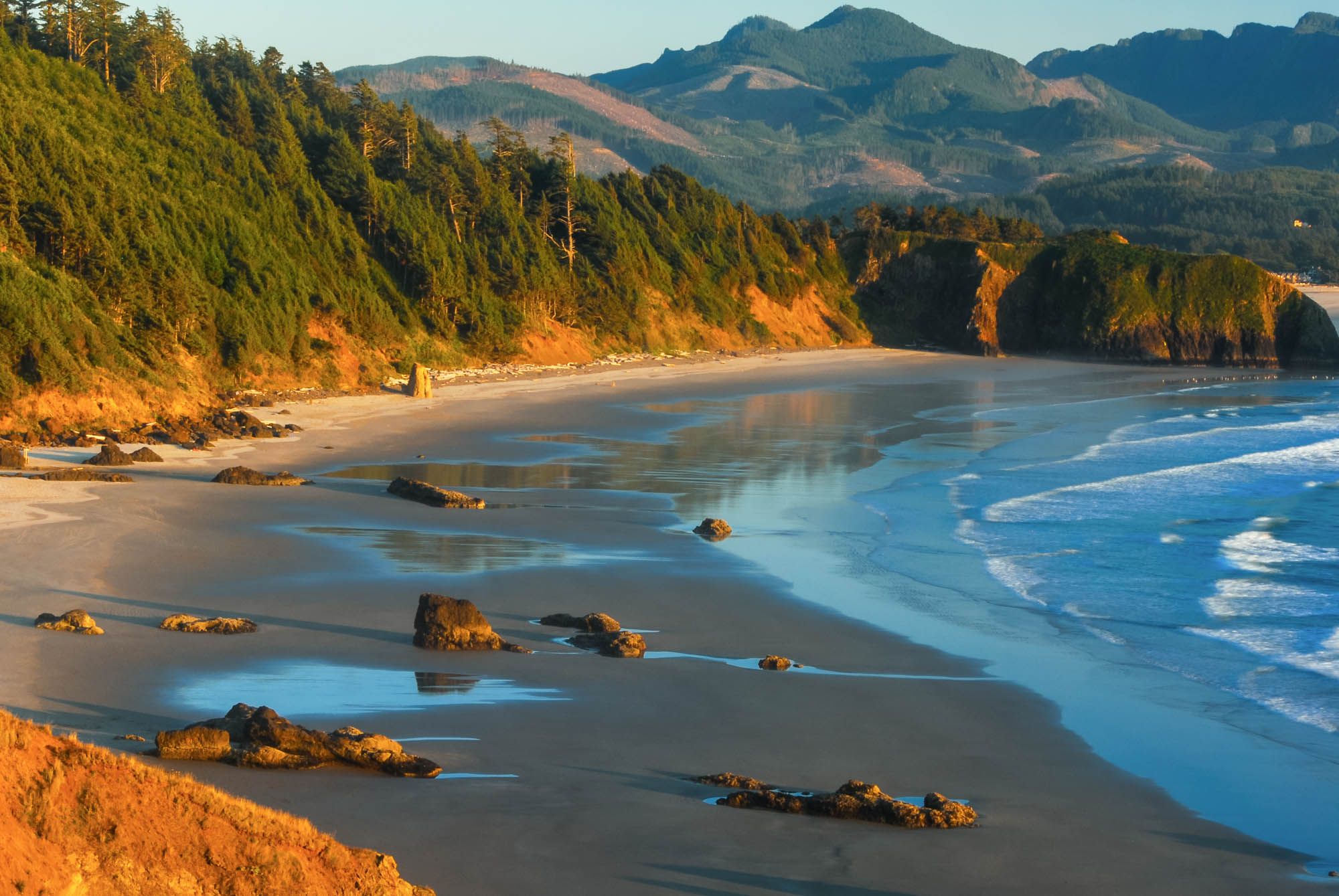 view of Crescent beach from Ecola State Park