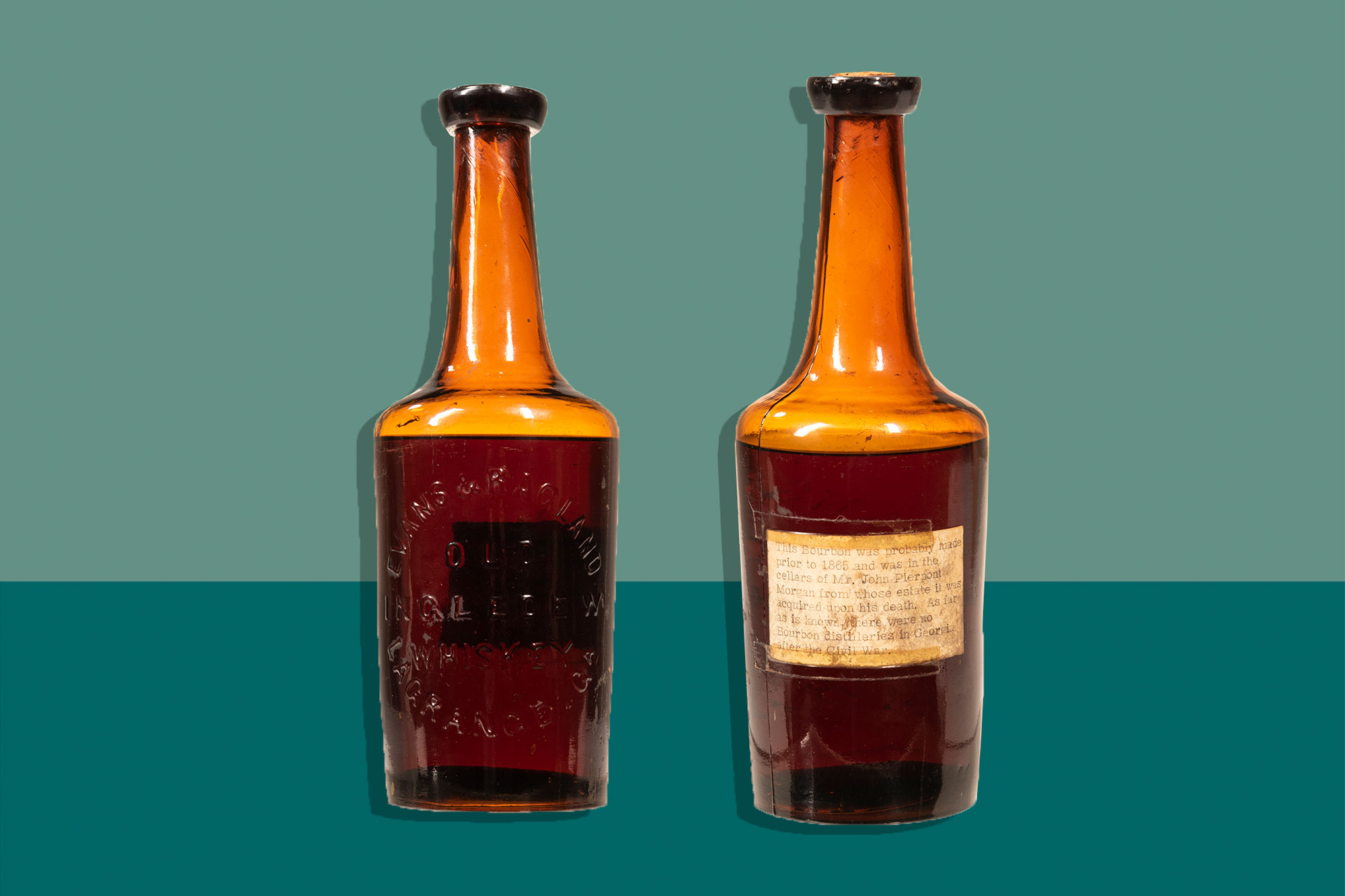 Front and back views of Old Ingledew Whiskey bottle