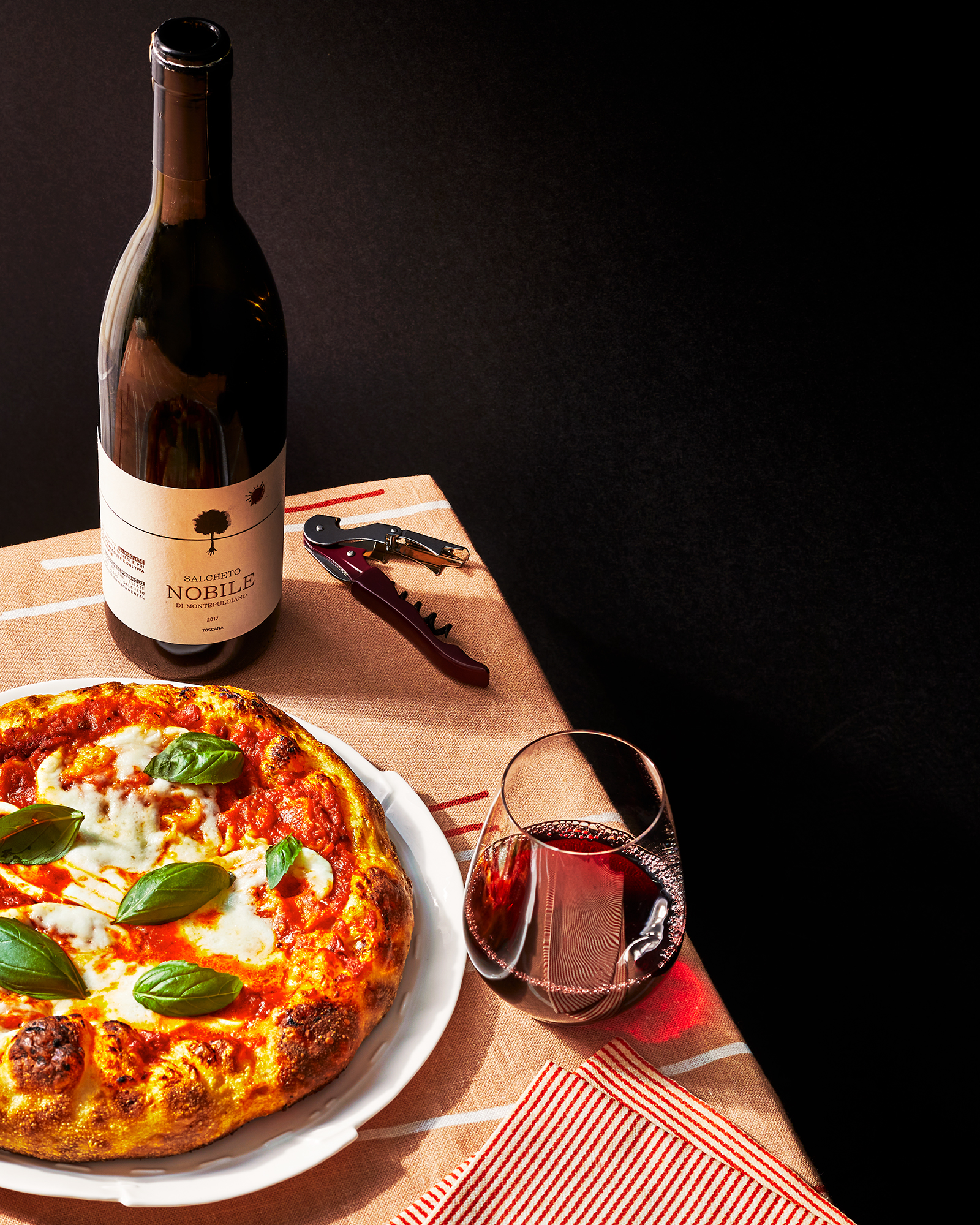 Margherita pizza with red wine