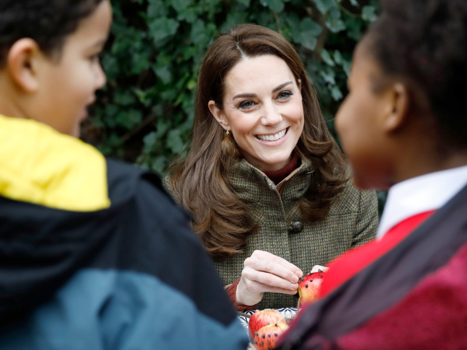 Kate Middleton Had the Best Reaction When a Child Asked If the Queen Ate Pizza duchess-cambridge-18-2000
