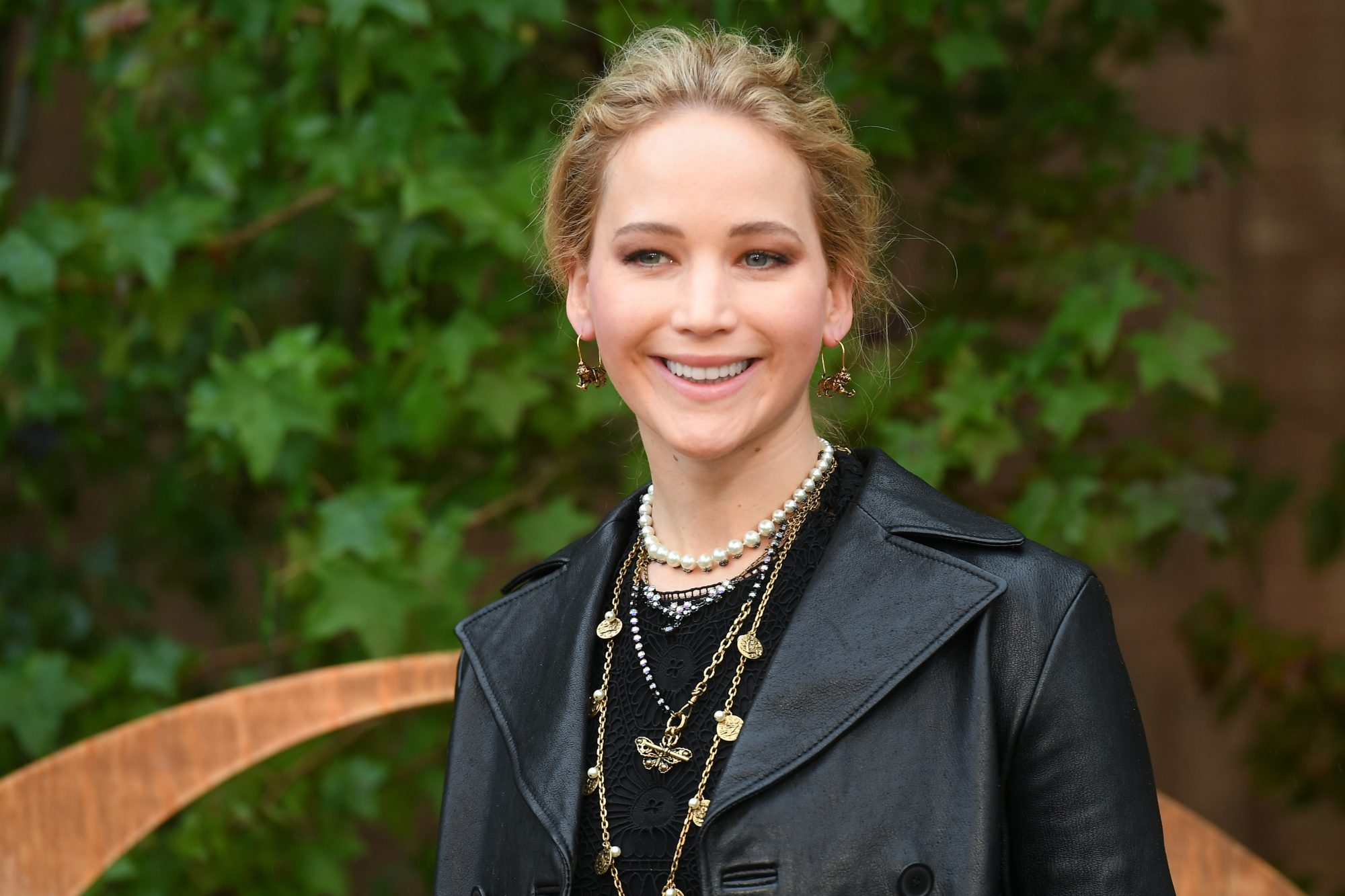 Jennifer Lawrence Is Pregnant With Her First Baby   HelloGiggles
