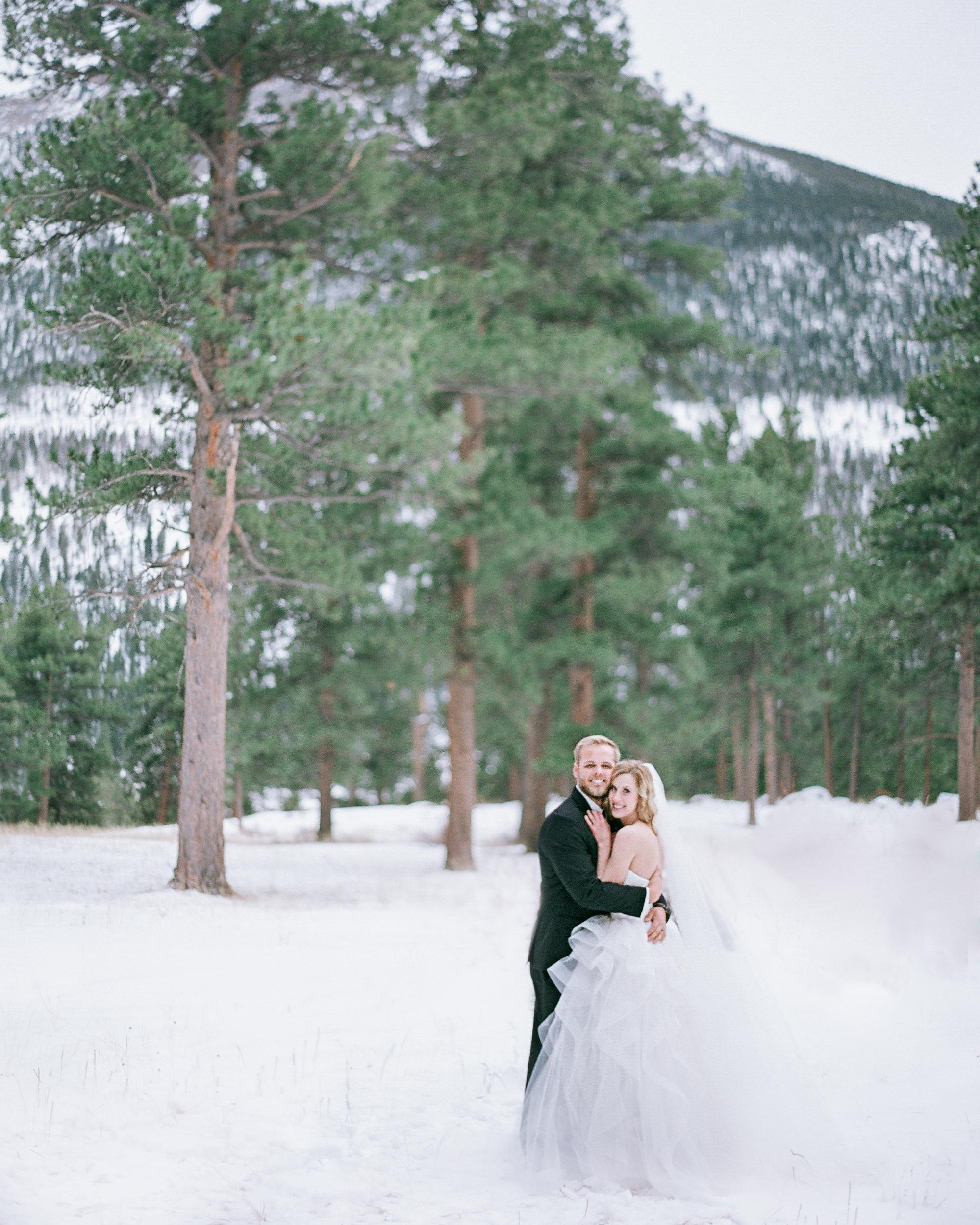 A Snowy Winter Wedding in the Colorado Mountains   Martha ...
