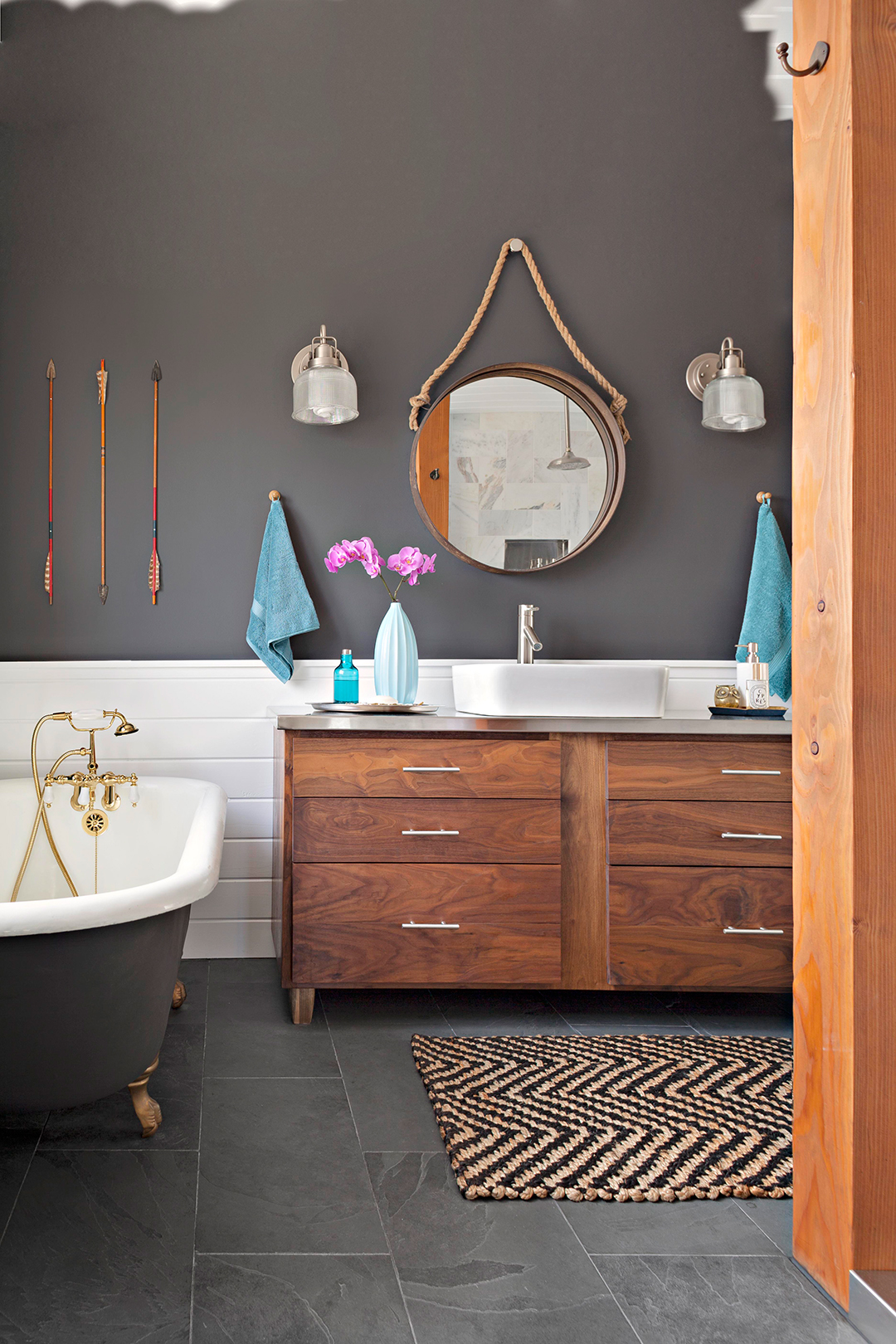 12 Popular Bathroom Paint Colors Our Editors Swear By ...