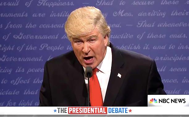 SNL Cold Open: Alec Baldwins Trump Offers Piano