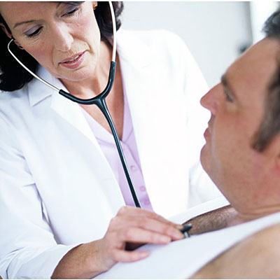 man-doctor-checkup-copd