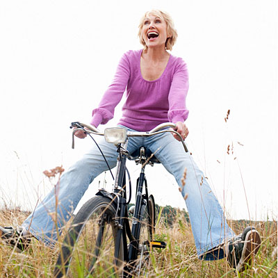 woman-bicycle-copd