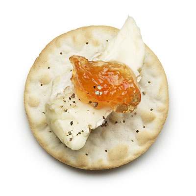 brie-jelly-cracker