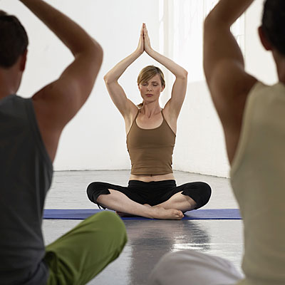 yoga-group-meditation