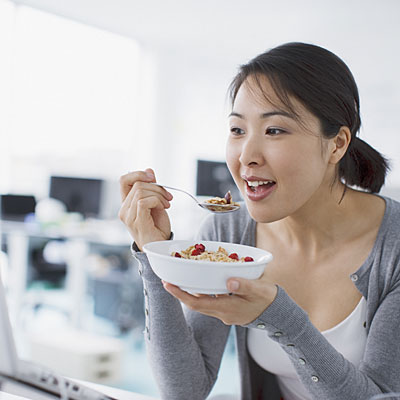 asian-eating-cereal