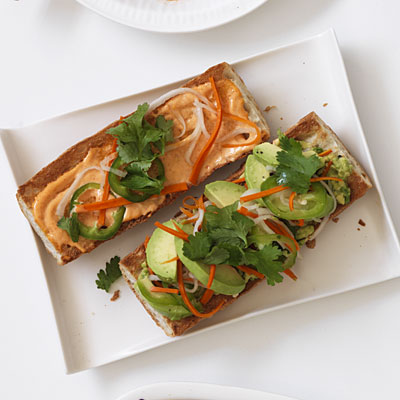 spicy-avocado-banh-mi