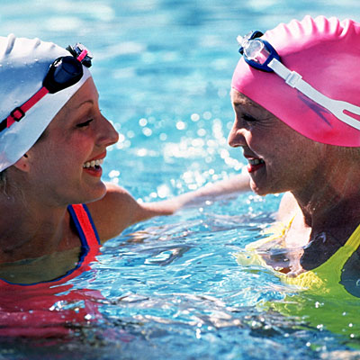 friends-swimming-swimcaps