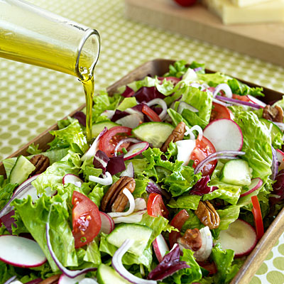 olive-oil-add-salad