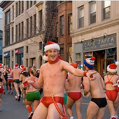 santa-speedo-race