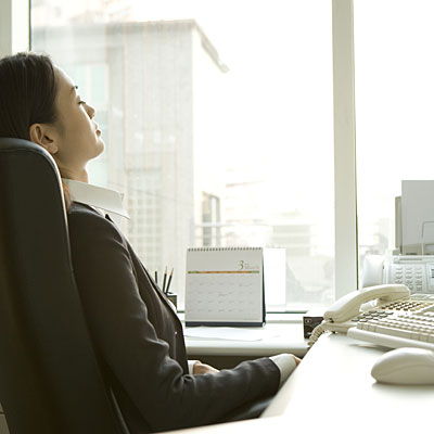 relaxation-desk-office