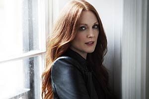 julianne-moore-magazine