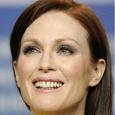 julianne-moore-skin