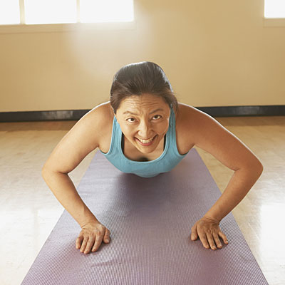 woman-pushup-floor