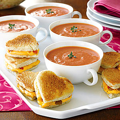 Mini Grilled-Cheese Hearts