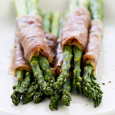 paleo-diet-asparagus-bacon