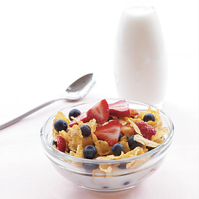 Breakfast: Cornflakes, Low-Fat Milk, and Berries