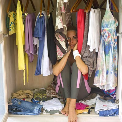 woman-closet-clothes