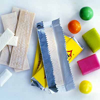 Sugarless chewing gum