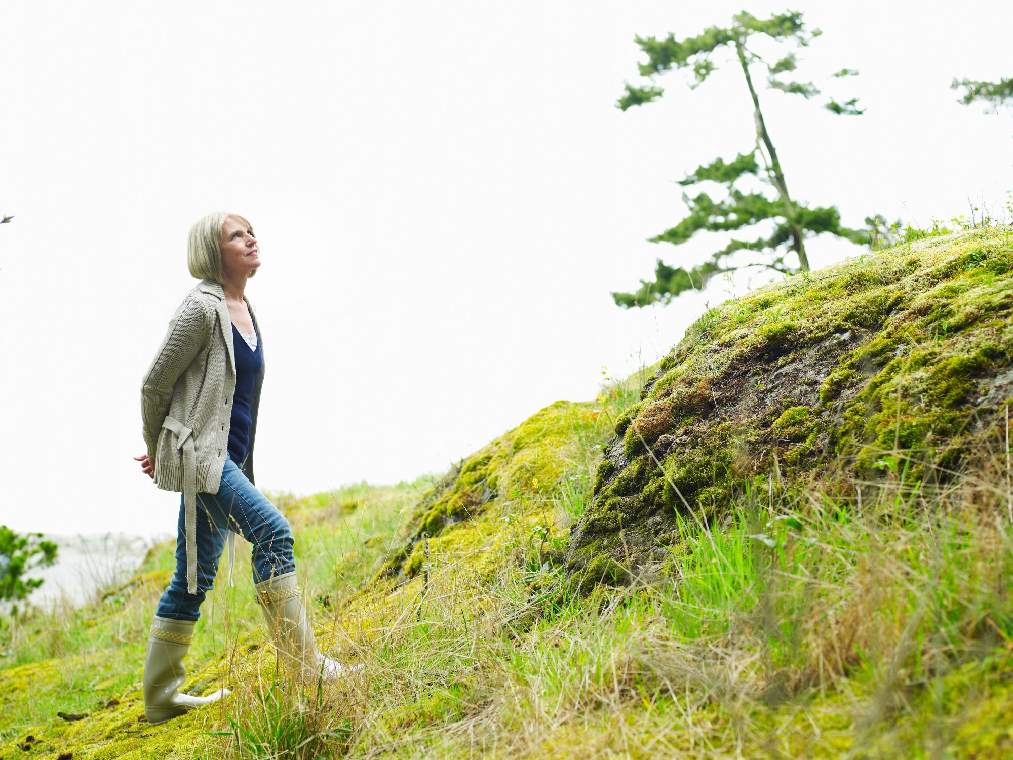 alzheimers-woman-walking-treatment