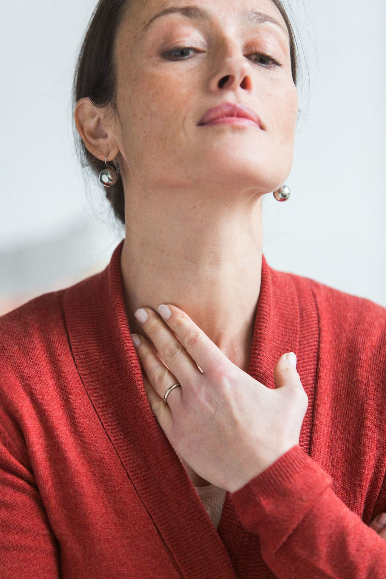 Frequent Headaches May Raise Your Risk for Thyroid Disease - Health