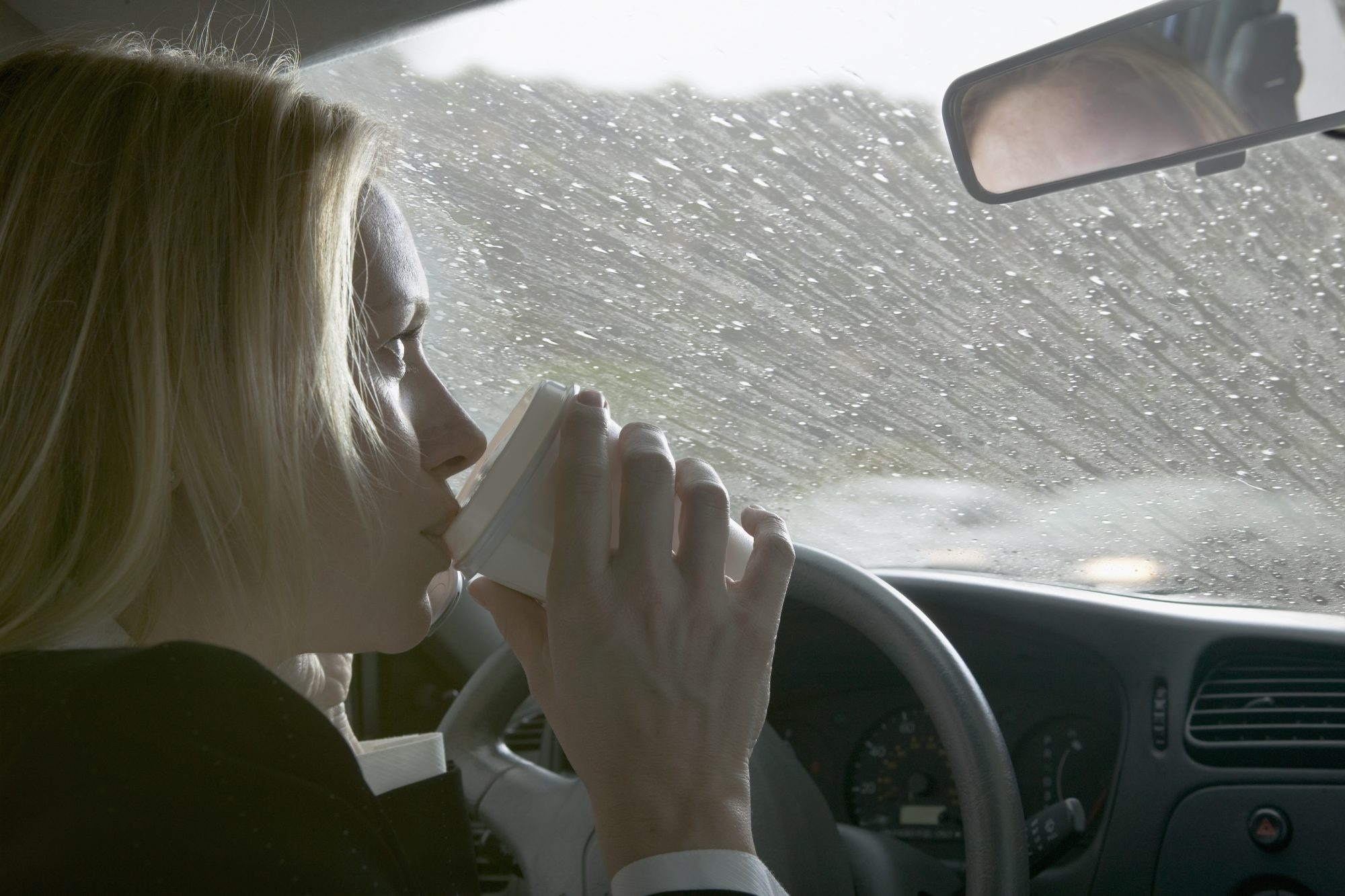drive-drink-eating
